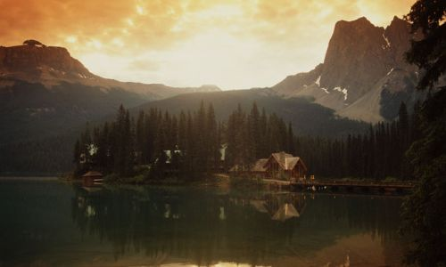 HotelBritish ColumbiaEmerald Lake Lodge ext