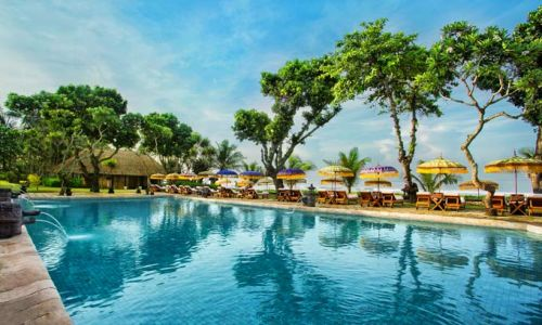 IndonesienBali Oberoi Pool 2