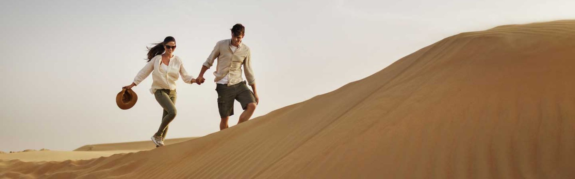DubaiTEASER DESERT COUPLE